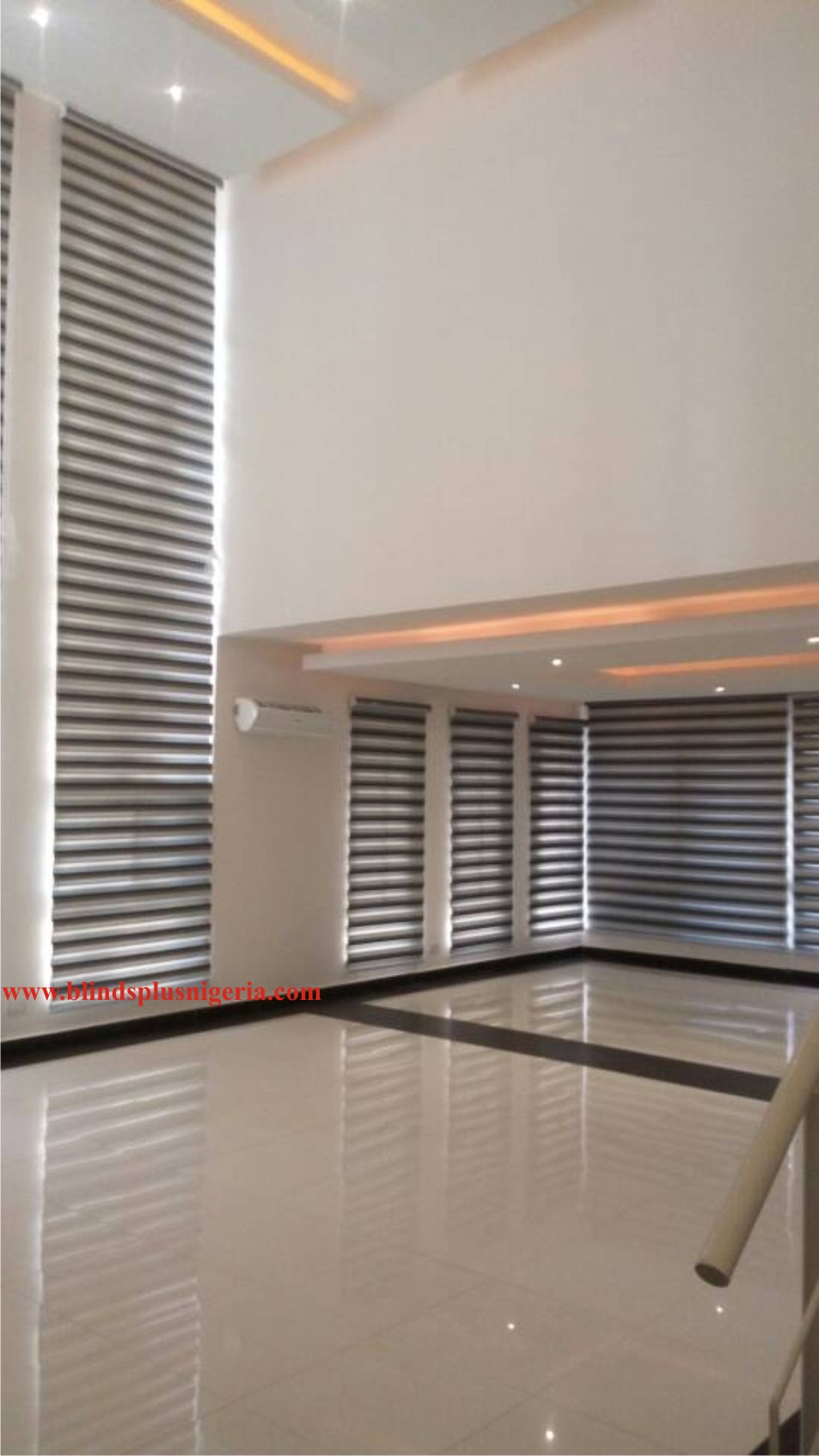 Quot Day Amp Night Quot Roller Shades Zebra Blinds Blinds Plus Ltd